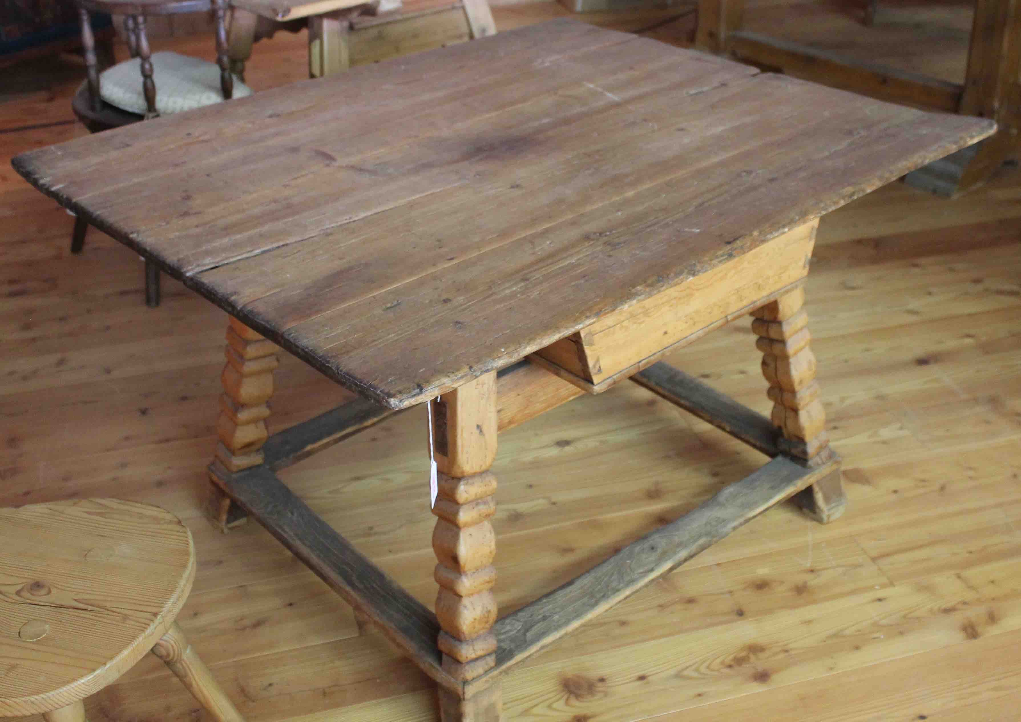 tavolo tirolese Antichit? Constantini